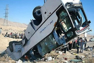 واژگونی اتوبوس در جاده الیگودرز - ازنا ۲۴ مصدوم برجا گذاشت