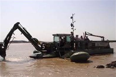 آغاز عملیات اجرایی لایروبی خور گناوه بوشهر