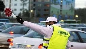 روزگار نیروهای پلیس راهور در روزهای آلودگی هوای پایتخت