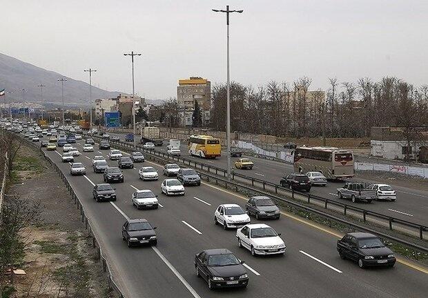 ترافیک سنگین در آزادراههای قزوین-کرج و تهران-ساوه/انسداد کندوان تا ساعت 17 امروز