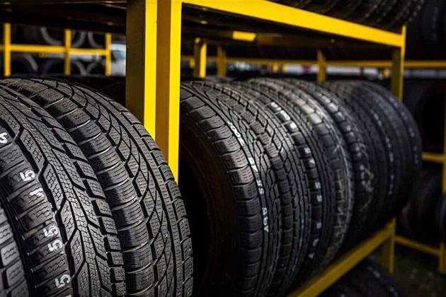 ۱۱ هزار حلقه لاستیک خودروهای سنگین در سمنان توزیع شد