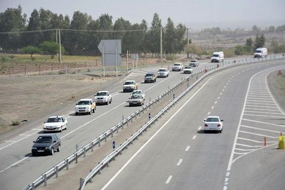 تردد بیش از ۳۳۵ هزار وسیله نقلیه در جادههای لرستان