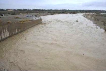 خطر تخریب یک پل در استان یزد