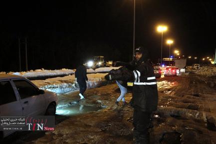 ترافیک سنگین در جادههای برفی گیلان