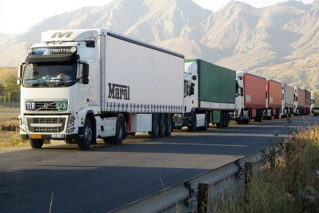 رشد ۵ درصدی تردد ناوگان باری از پایانههای مرزی آذربایجان غربی در یکسال گذشته