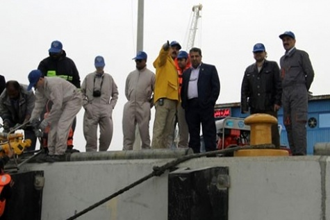 ◄ مانور مقابله با آلودگیهای نفتی در بندر لنگه