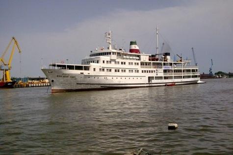 تور تفریحی دریایی توسط کشتیرانی والفجر برگزار شد