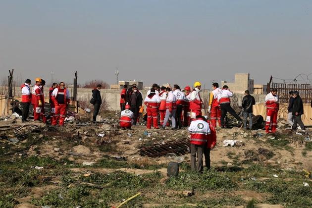 وزیر علوم درگذشت تعدادی از دانشآموختگان را در سانحه هوایی تسلیت گفت