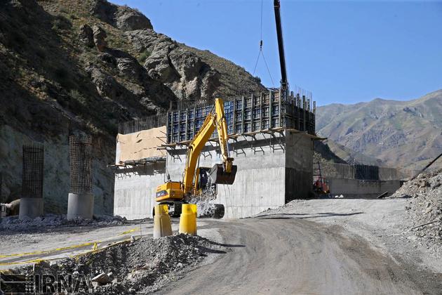 پیشرفت فیزیکی حدود ۵۰ درصدی آزادراه تهران-شمال/ منطقه دو گرانتر شد