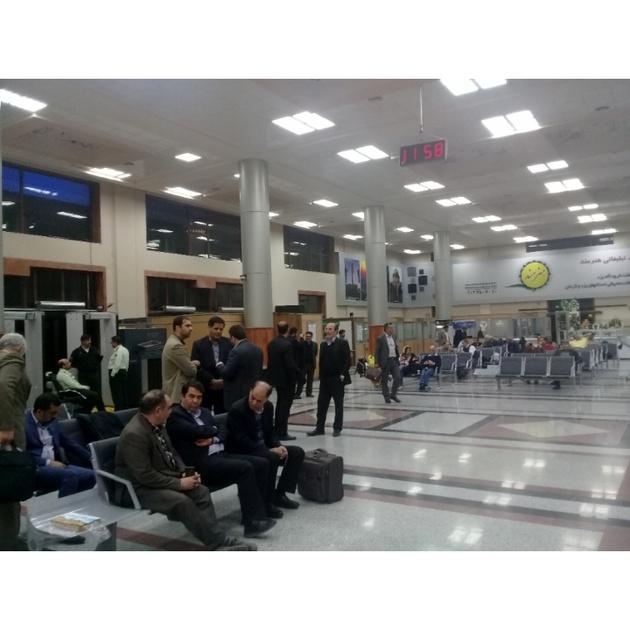 فرود اضطراری هواپیمای MD در فرودگاه یزد