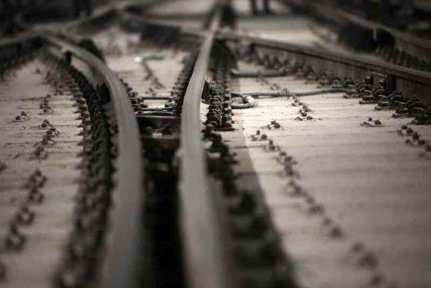 زمان شروع عملیات روسازی مسیر راهآهن اردبیل