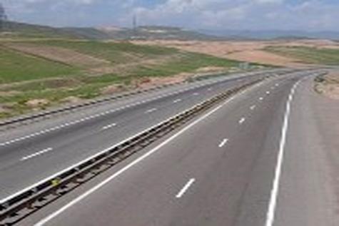 تکمیل جاده چهار خطه پلدختر - خرم آباد از خواسته های مردم از رییس جمهور است