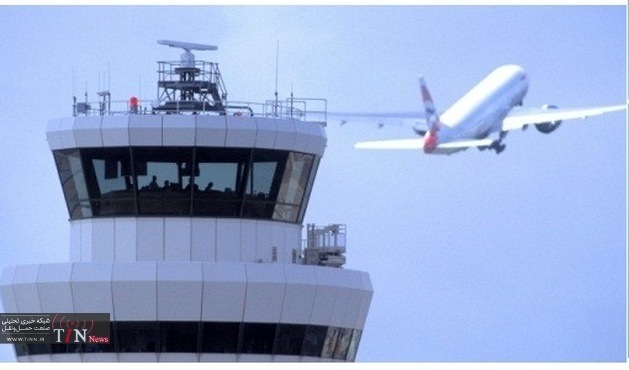 UK NATS deploys safety beacon on crane to enhance aircraft safety