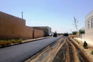آغاز آسفالت معابر چهار روستای مهریز با ۱۰ میلیارد ریال
