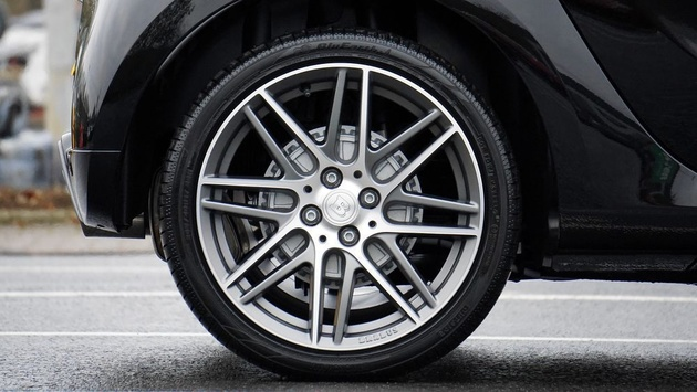 Researchers are using tomato peels and eggshells to make tires