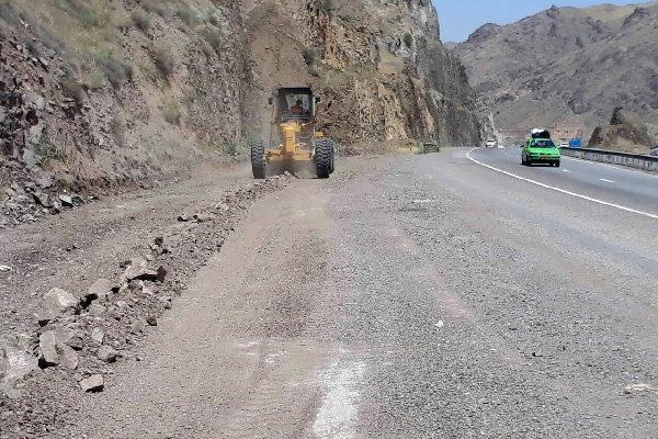 گردنه صلوات آباد در محور سنندج - همدان مسدود میشود