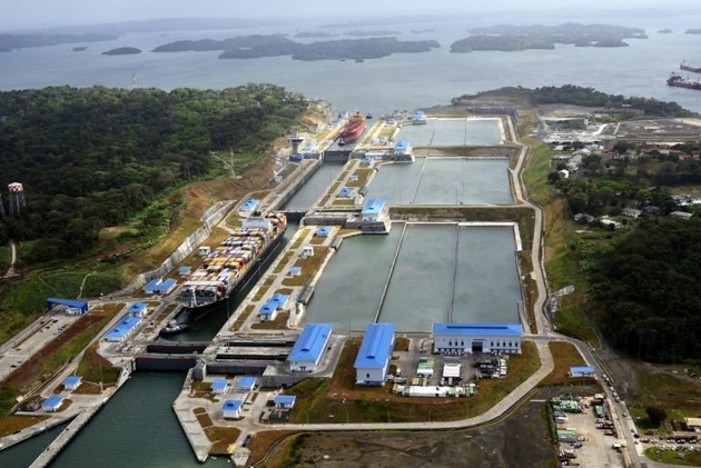Panama Canal Adds Eighth Daily Booking Slot for New Neopanamax Locks