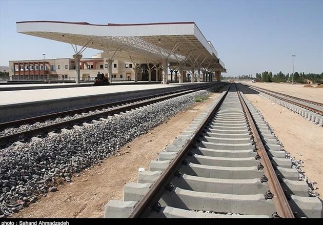ساخت ۴۵۰ کیلومتر راه آهن در استان یزد