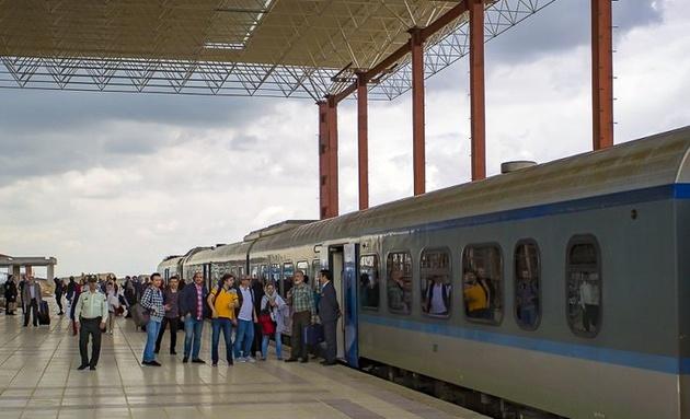 برقیسازی قطار همدان؛ باز هم پای سیاسیون درمیان است؟