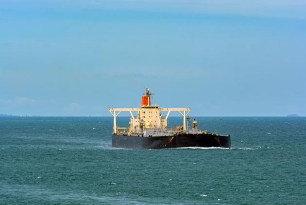 Saudi Arabia Resumes Oil Exports Through Red Sea Shipping Lane