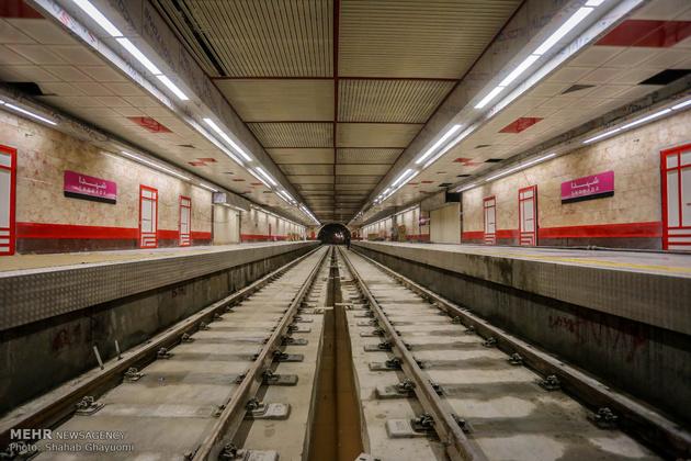 بهره برداری از خط 8مترو تهران با حضور مقامات شهری و کشوری