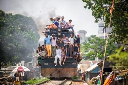 عکس/ قطار سواری در بنگلادش