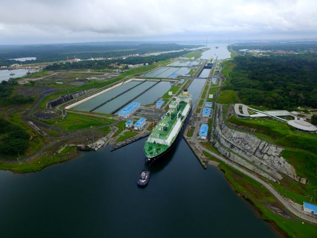 Panama Canal Cuts Maximum Draft for Neopanamax Locks