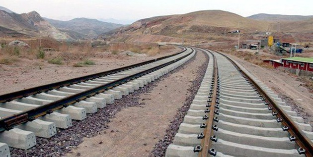 راهآهن سلطانآباد با پیشرفت ۳۵ درصدی رها شده است