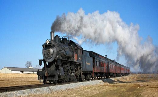 حرکت قطارهای شاهراه ریلی ایران بر ریل توسعه و پیشرفت