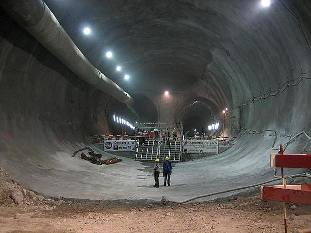رشد صنعت پیشرفته ریلی در سوییس با افتتاح تونل جنری