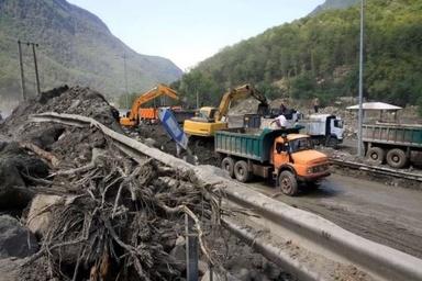 ریزش کوه عامل اصلی تاخیر در افتتاح قطعه یک آزادراه شمال