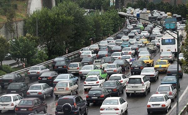 ترافیک صبحگاهی در جنوب به شمال و شرق به غرب پایتخت