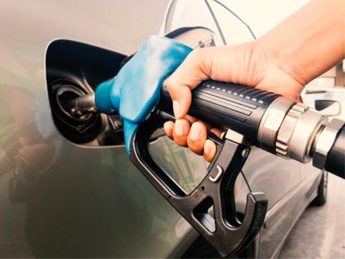 کاهش ۲۰ درصدی مصرف بنزین در سال ۹۹