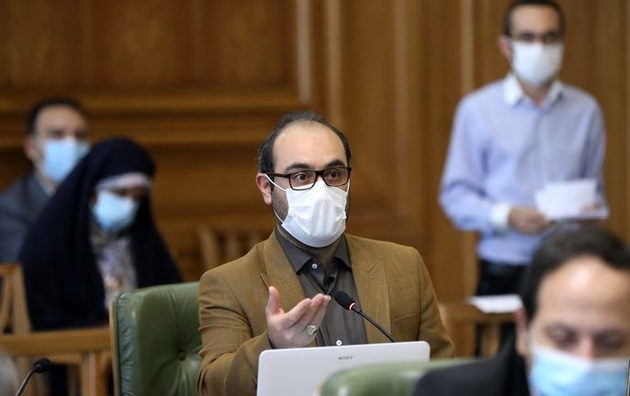 اعتراض به عدم ارائه لایحه رویداد ۱۴۰۰ به شورا