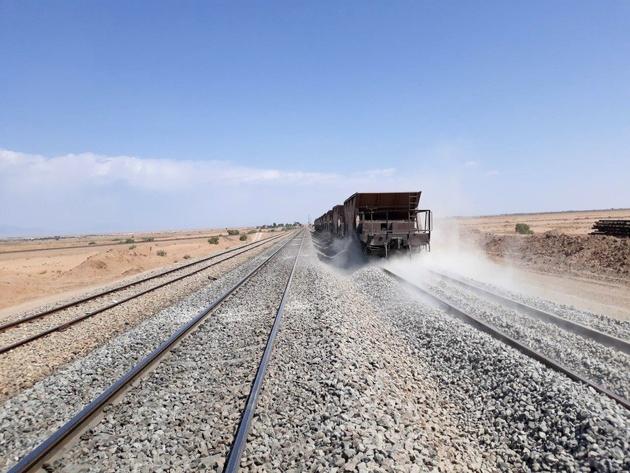 پیشرفت 94 درصدی خط دوم راهآهن اصفهان-سیستان