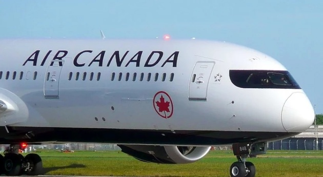 Air Canada Boeing 787 Left Hand Engine Went in Flames