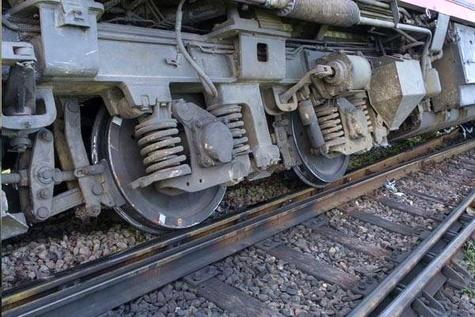خروج قطار مسافری خرمشهر-تهران از ریل