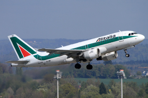 Alitalia Succumbs to Bankruptcy After Workers Reject Bailout Plea