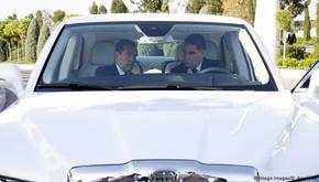 در ترکمنستان فقط خودروهای سفید اجازه تردد دارند؟!