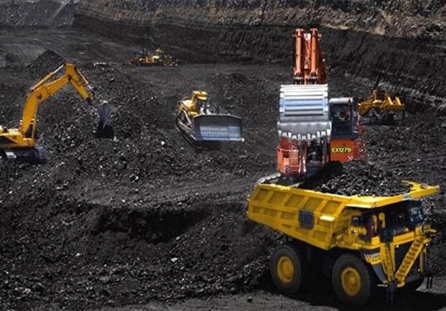 تردد دائم تریلیهای حامل سنگآهن