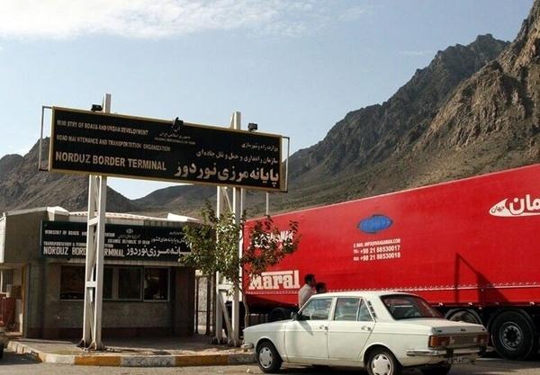 تخلیه و بارگیری مجدد کامیون های ایرانی در مرزها به بهانه احتمال قاچاق