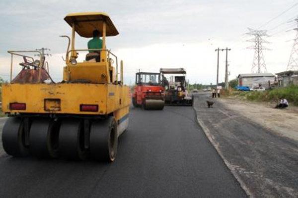 پایان عملیات آسفالت ۳۲ هزار متر مربع از خیابانهای شهرک پیامبر