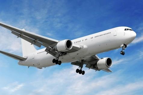 اقتصاد از خرداد ۹۵ رونق میگیرد / دفاع از خرید ۱۳۸ فروند هواپیمای نو