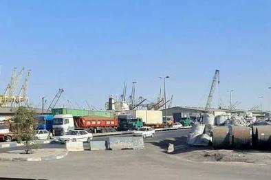 معضلی به نام حمل کالاهای اساسی/ 200 کامیون در صف خروج از اسکله