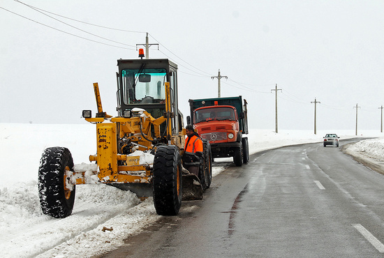 برفروبی و بازگشایی جادهها در آذربایجان غربی