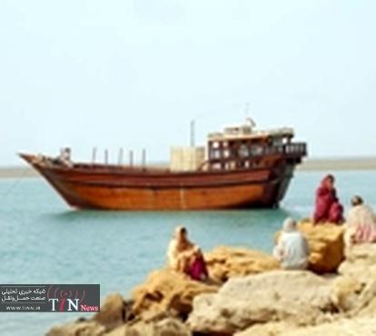 نجات شناور باری ازغرق شدن درحوالی بندر دیر بوشهر
