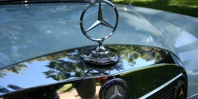 فراخوان برای 744 هزار خودروی بنز در آمریکا اعلام شد