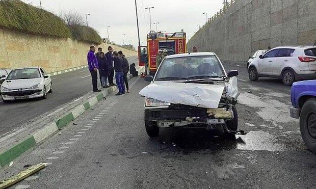 ۴ مجروح در تصادف سه خودرو در غرب تهران