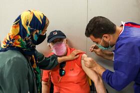 تزریق واکسن کرونا به سالمندان بالای ۷۵ سال