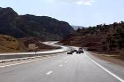 استان اصفهان نیازمند احداث۳ هزار کیلومتر شبکه راهی است